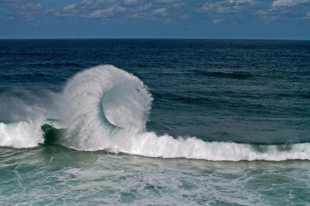 strange-wave-break.jpg